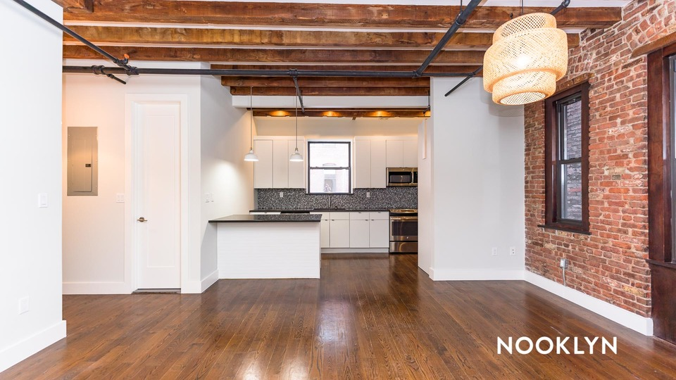 A $7,500.00, 4 bed / 2 bathroom apartment in Chelsea
