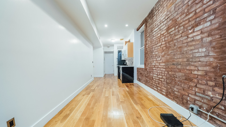 A $2,400.00, 2.5 bed / 1 bathroom apartment in Williamsburg