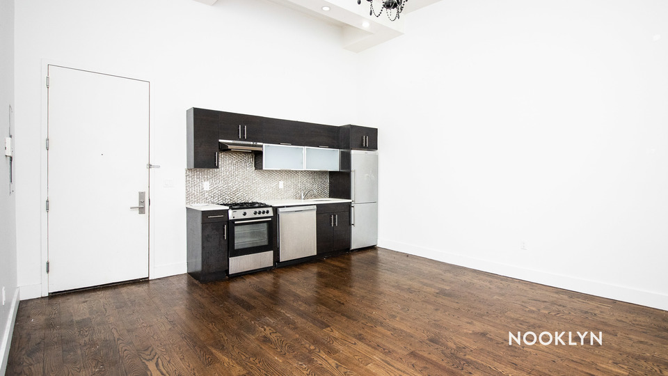 A $2,550.00, 3 bed / 1 bathroom apartment in Bushwick