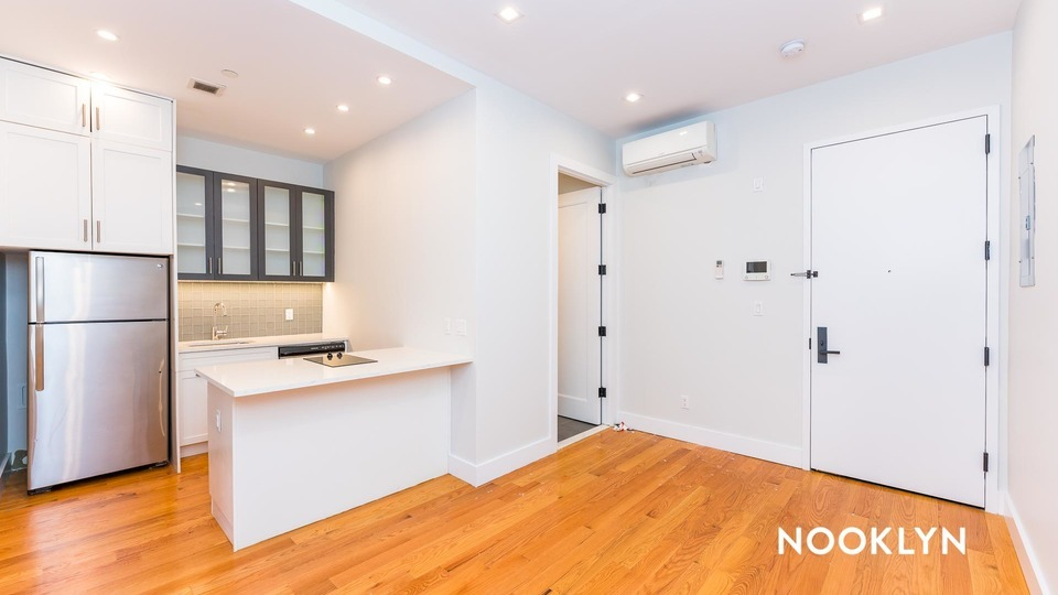 A $2,338.00, 2 bed / 1 bathroom apartment in Williamsburg