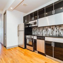 A $3,200.00, 3 bed / 1 bathroom apartment in Bushwick