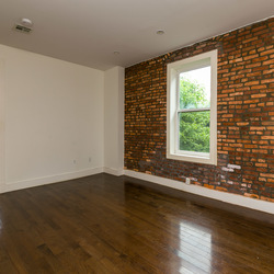 A $2,900.00, 3 bed / 1 bathroom apartment in Crown Heights