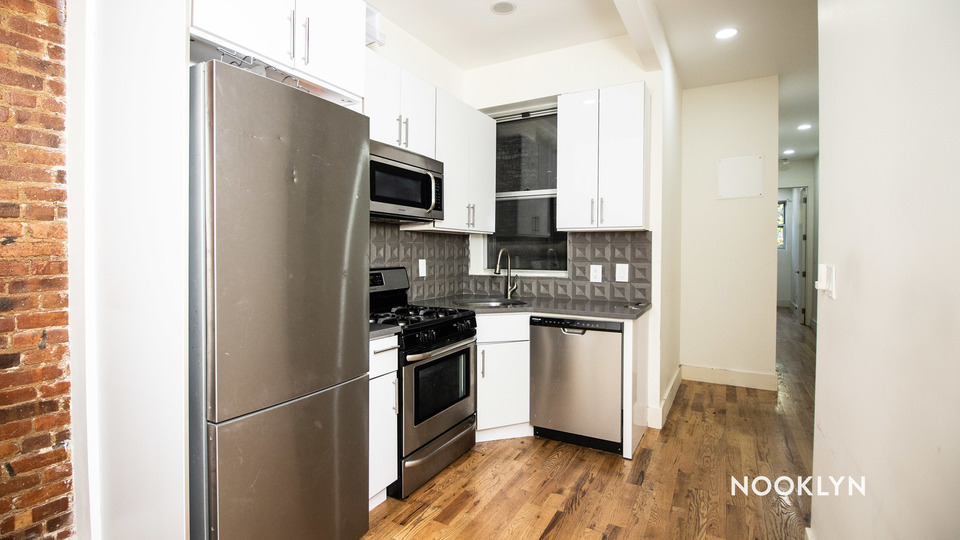 A $2,583.00, 4 bed / 2 bathroom apartment in Bed-Stuy