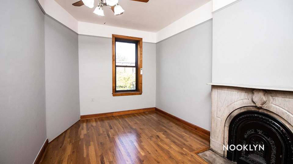 A $2,585.00, 3 bed / 1 bathroom apartment in Crown Heights