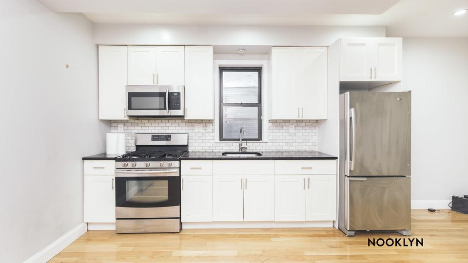 A $2,300.00, 3 bed / 1 bathroom apartment in Ridgewood