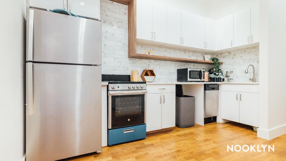 A $3,400.00, 4 bed / 2.5 bathroom apartment in Ridgewood