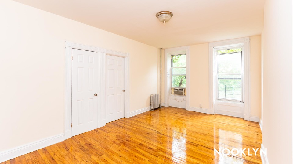 A $4,056.00, 3 bed / 1 bathroom apartment in Carroll Gardens