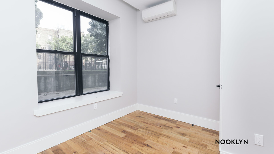A $2,650.00, 3 bed / 1.5 bathroom apartment in Crown Heights