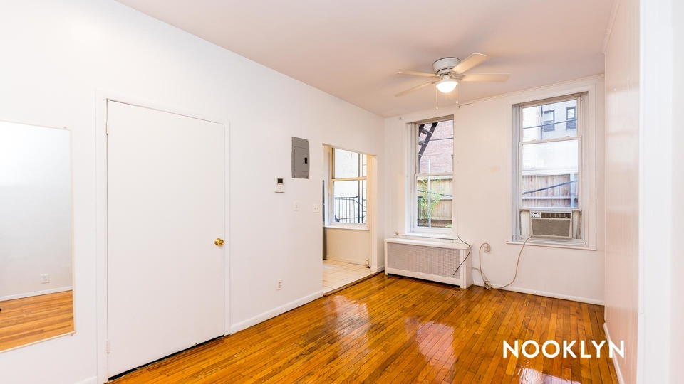 A $1,810.00, 0 bed / 1 bathroom apartment in Upper East Side