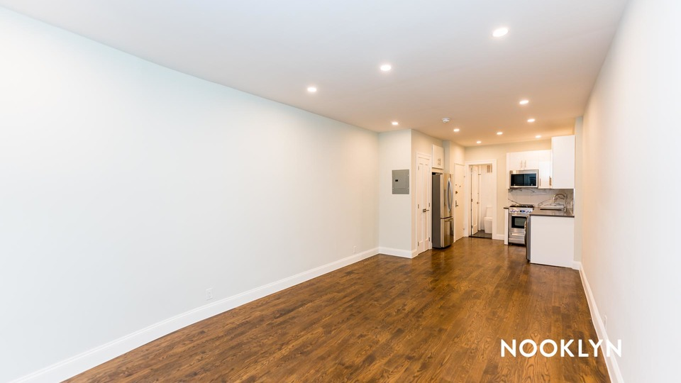 A $2,667.00, 0 bed / 1 bathroom apartment in Upper East Side