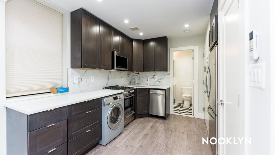 A $3,354.00, 1 bed / 1 bathroom apartment in Upper East Side