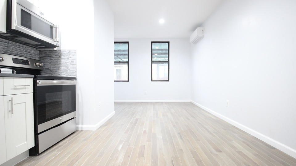 A $2,800.00, 3 bed / 2 bathroom apartment in Bushwick