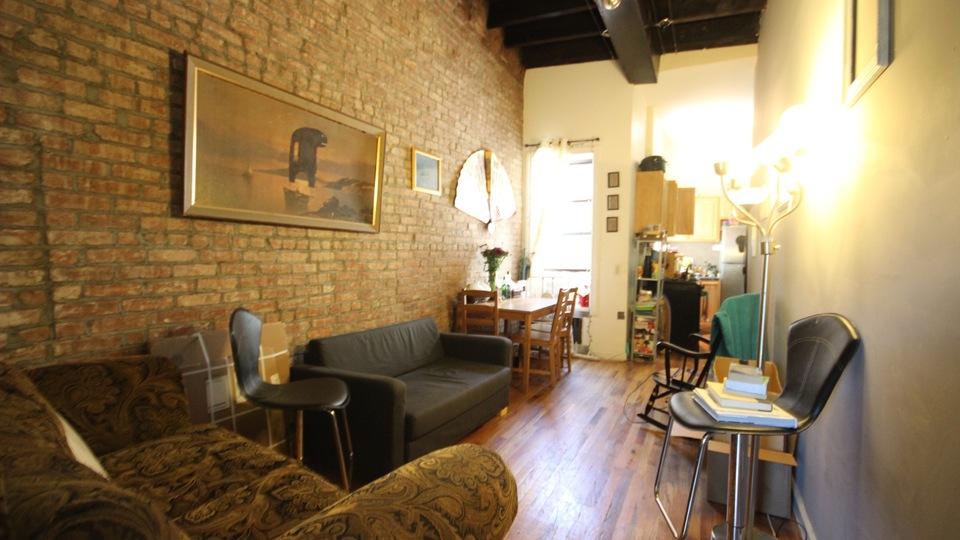 A $2,525.00, 3 bed / 1 bathroom apartment in Bushwick