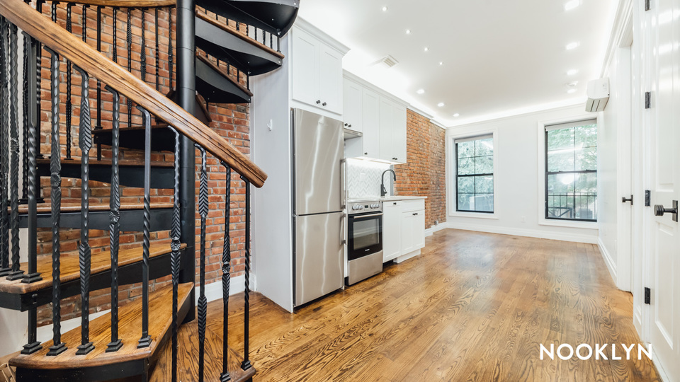 A $4,000.00, 1 bed / 1.5 bathroom apartment in Brooklyn Heights
