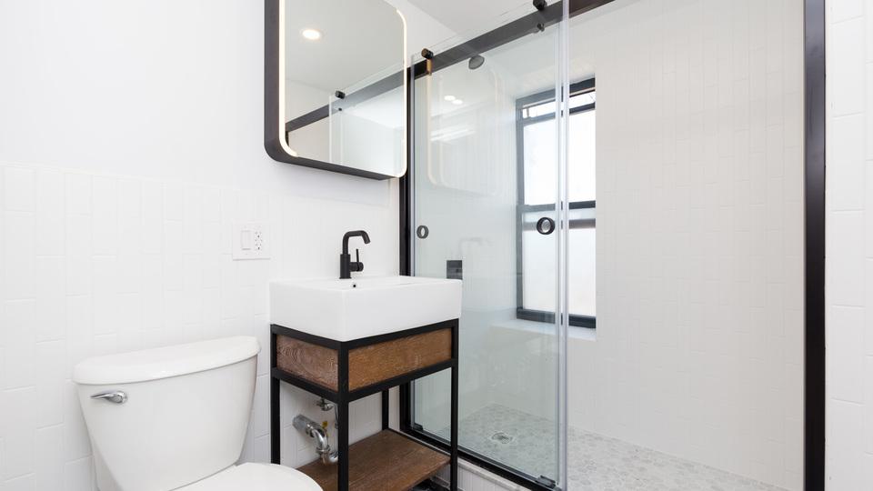 A $2,618.00, 2 bed / 1 bathroom apartment in Clinton Hill