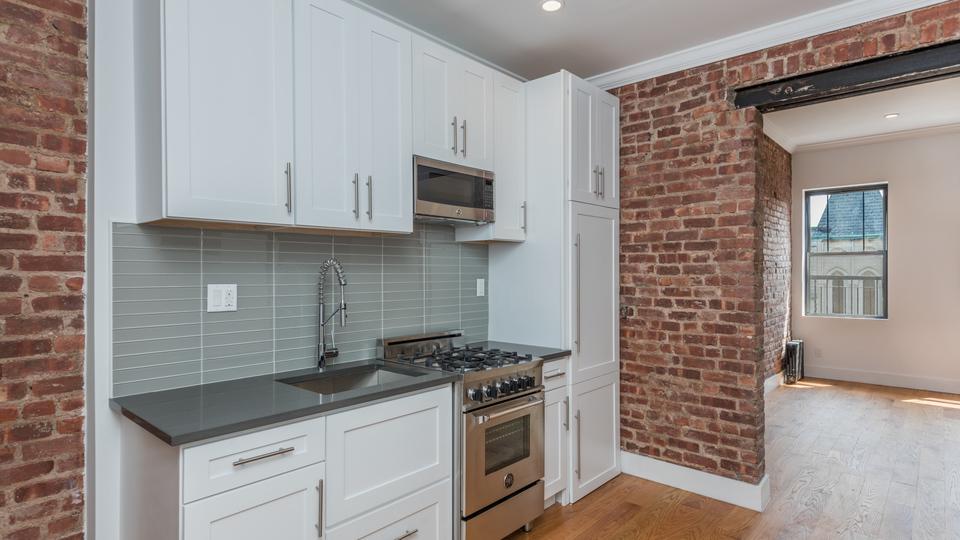 A $3,989.00, 4 bed / 2 bathroom apartment in Clinton Hill