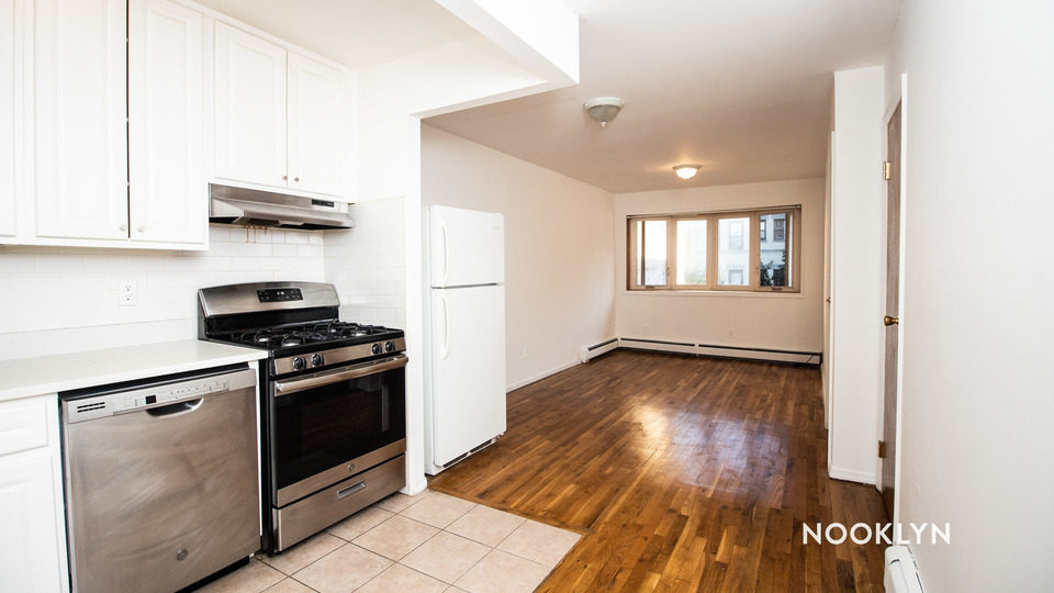 A $2,800.00, 3 bed / 2 bathroom apartment in Crown Heights