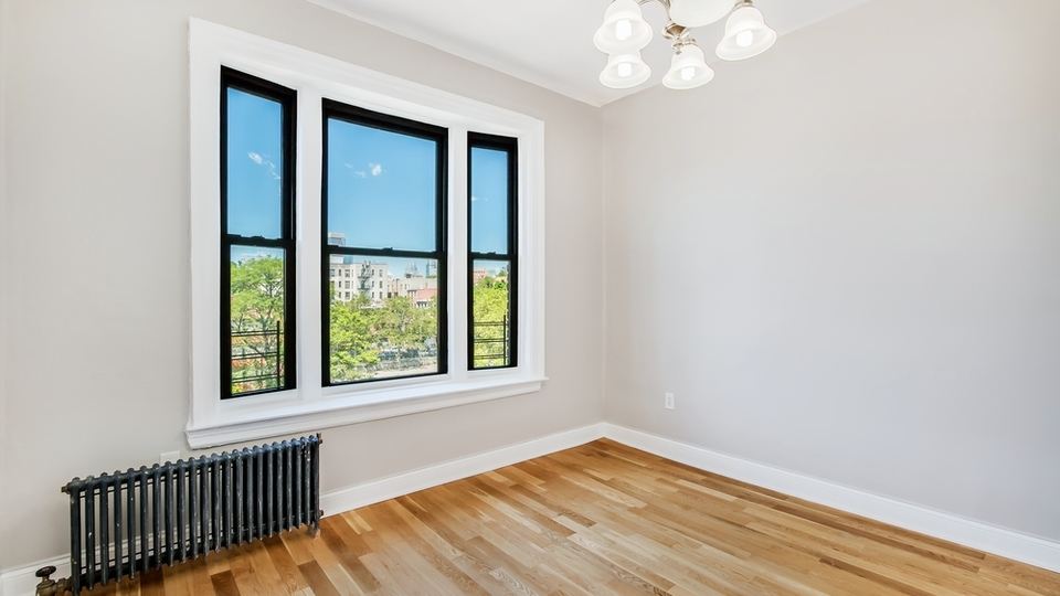 A $4,455.00, 4 bed / 2 bathroom apartment in Clinton Hill