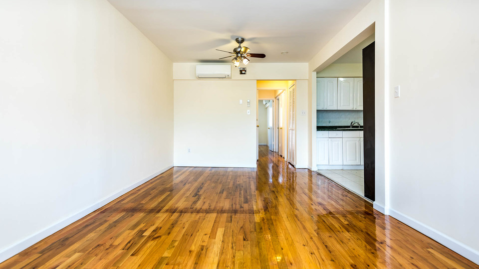 A $3,000.00, 3.5 bed / 1 bathroom apartment in Greenpoint