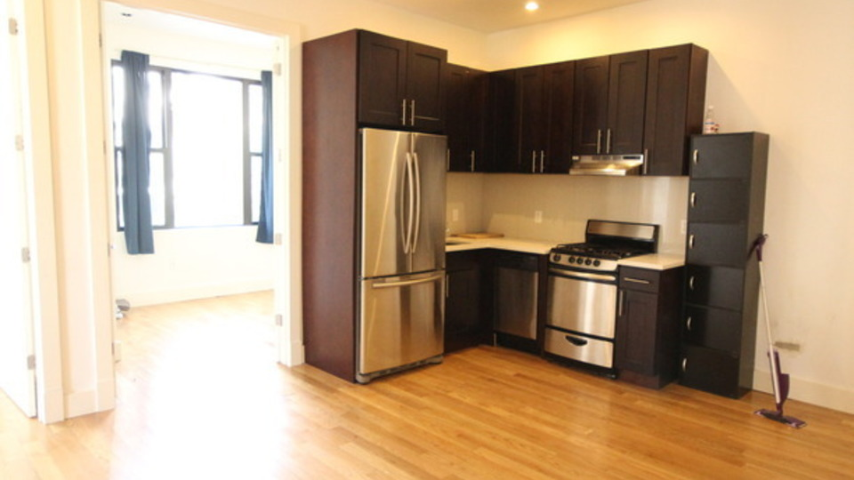 A $3,800.00, 4 bed / 1 bathroom apartment in Bushwick