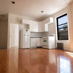 A $2,375.00, 4 bed / 1 bathroom apartment in Greenwood Heights
