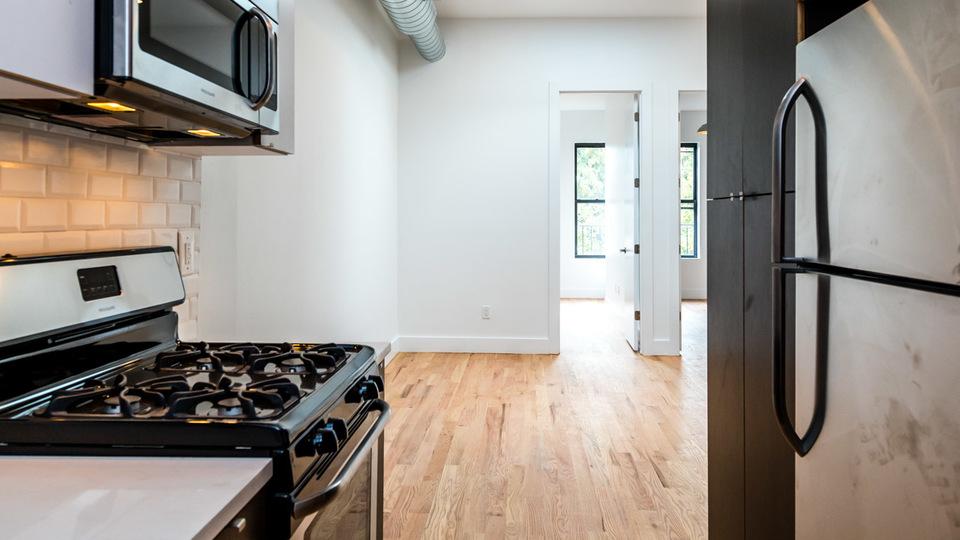A $2,566.00, 3 bed / 1 bathroom apartment in Bushwick