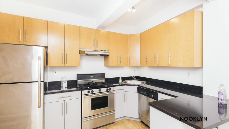 A $2,666.00, 2 bed / 1 bathroom apartment in Williamsburg