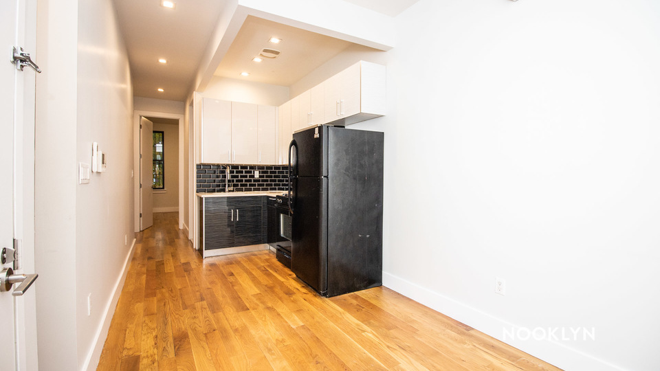 A $2,030.00, 1 bed / 1 bathroom apartment in Williamsburg