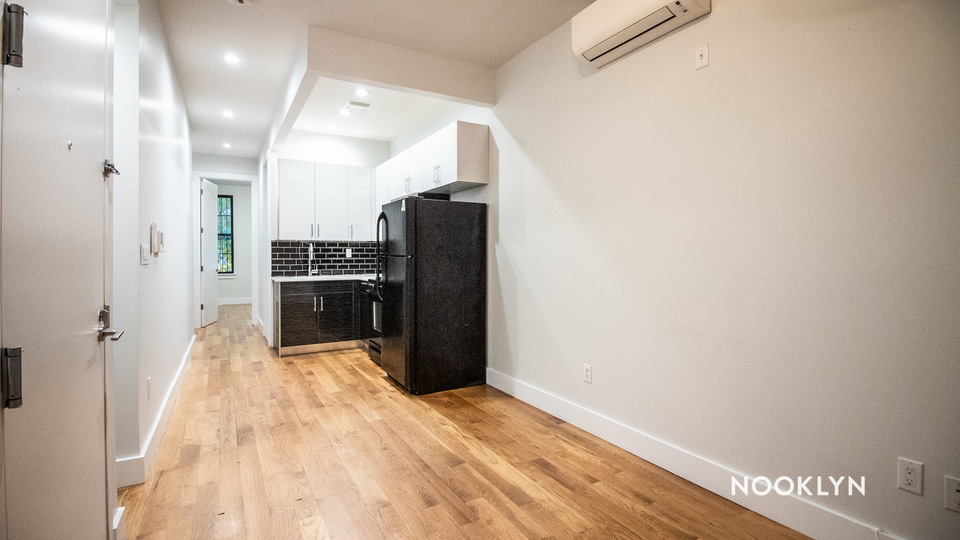 A $2,769.00, 3.5 bed / 2 bathroom apartment in Williamsburg