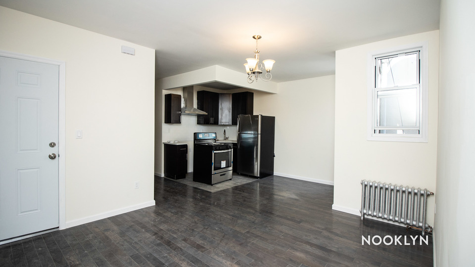 A $2,521.00, 4 bed / 2 bathroom apartment in Ridgewood