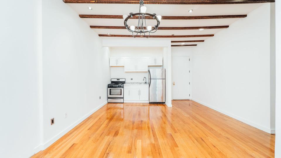A $1,900.00, 2 bed / 1 bathroom apartment in Bushwick