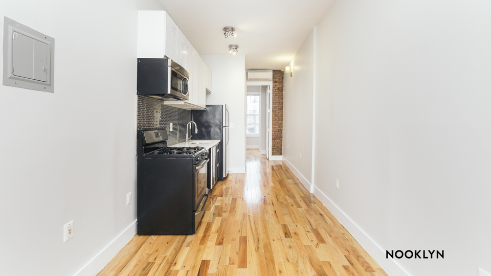 A $2,510.00, 2 bed / 1 bathroom apartment in Greenpoint