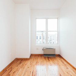 A $2,695.00, 3 bed / 1 bathroom apartment in Bushwick