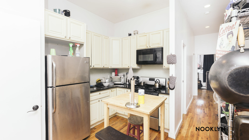 A $4,500.00, 4 bed / 2.5 bathroom apartment in Bushwick