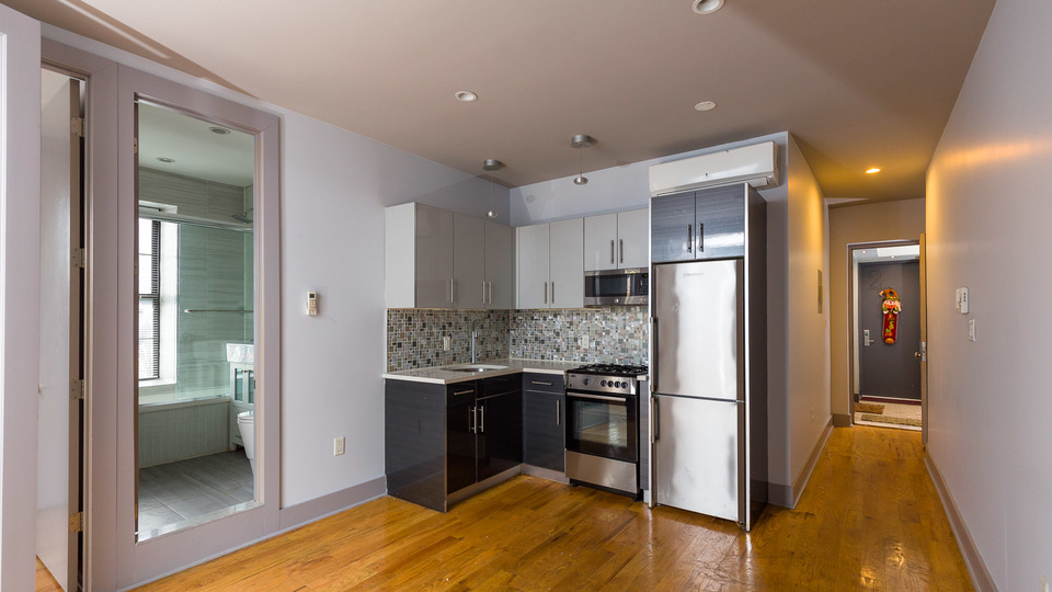 A $2,999.00, 2 bed / 1 bathroom apartment in Williamsburg