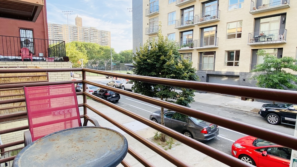 A $2,399.00, 2 bed / 1 bathroom apartment in Williamsburg