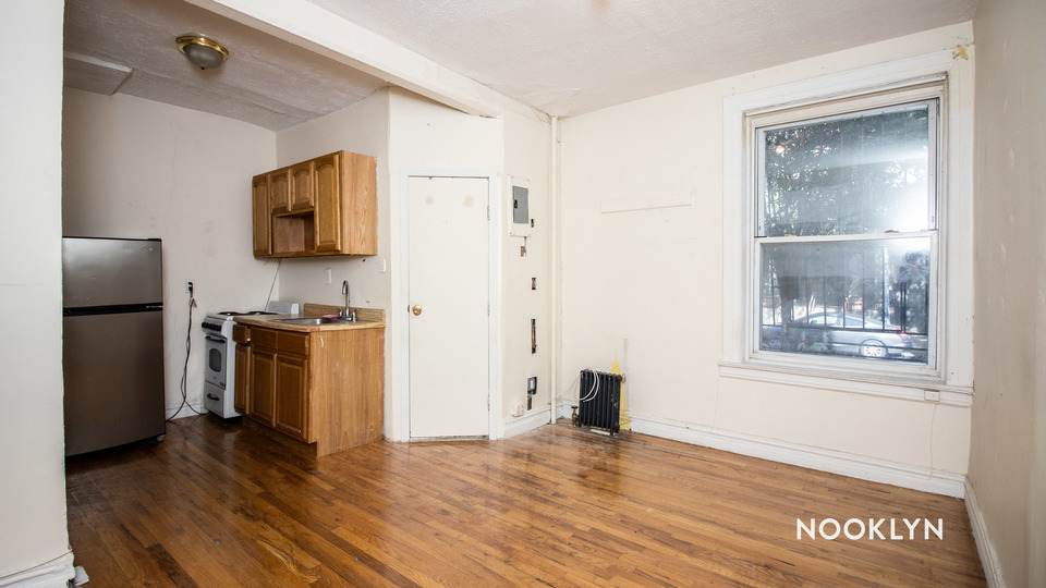 A $1,600.00, 0 bed / 1 bathroom apartment in Crown Heights