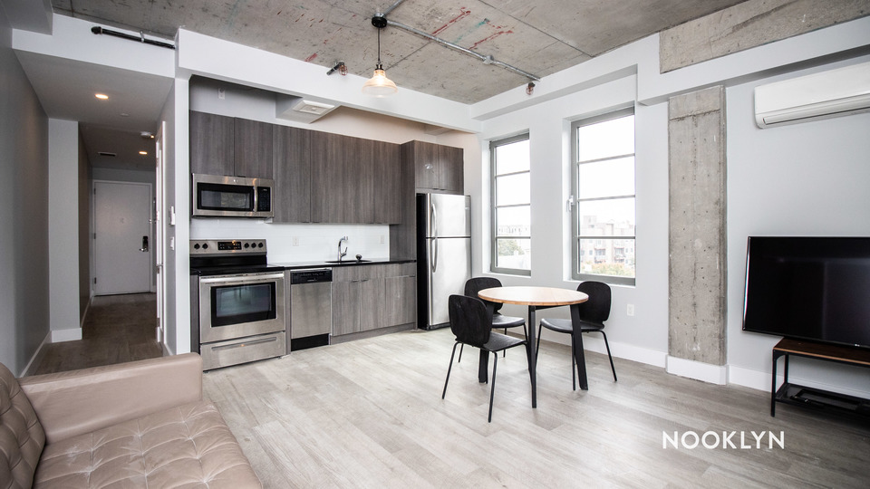 A $2,228.57, 3 bed / 1 bathroom apartment in PLG: Prospect Lefferts Gardens