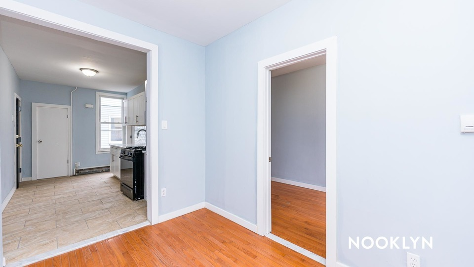 A $2,195.00, 2 bed / 1 bathroom apartment in Windsor Terrace
