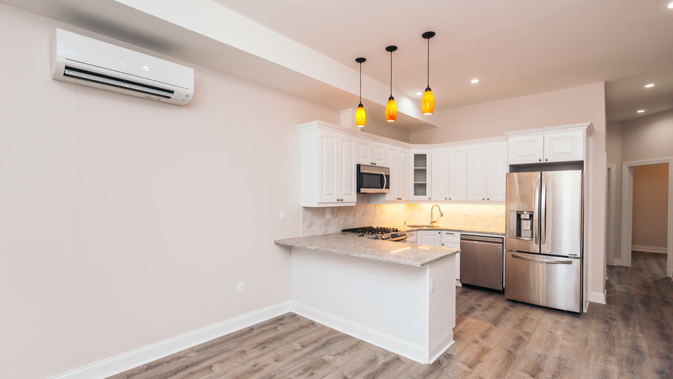 A $2,000.00, 4 bed / 2 bathroom apartment in Bushwick