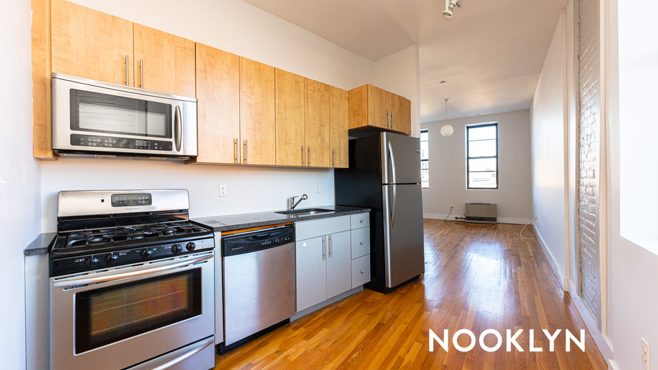 A $2,030.00, 1.5 bed / 1 bathroom apartment in Bed-Stuy