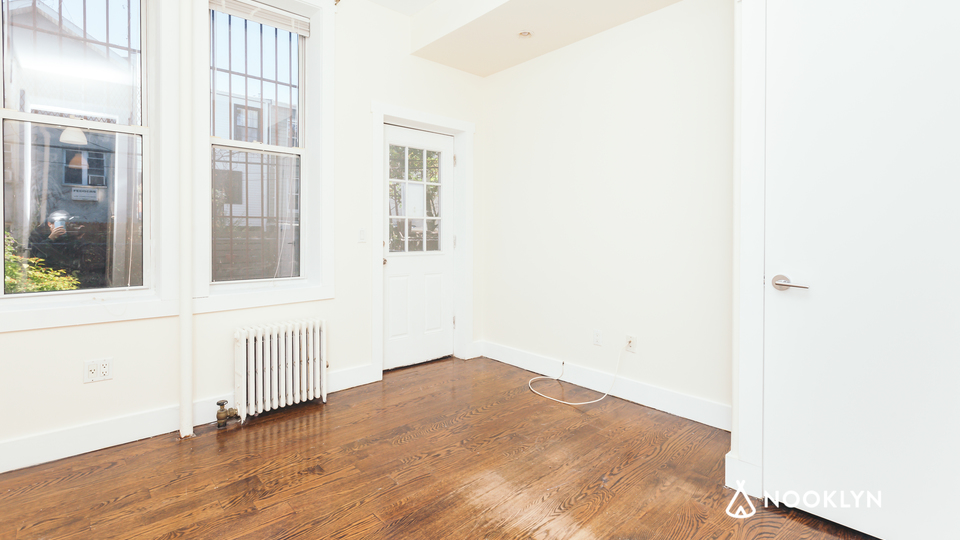 A $2,300.00, 3 bed / 1.5 bathroom apartment in Bushwick
