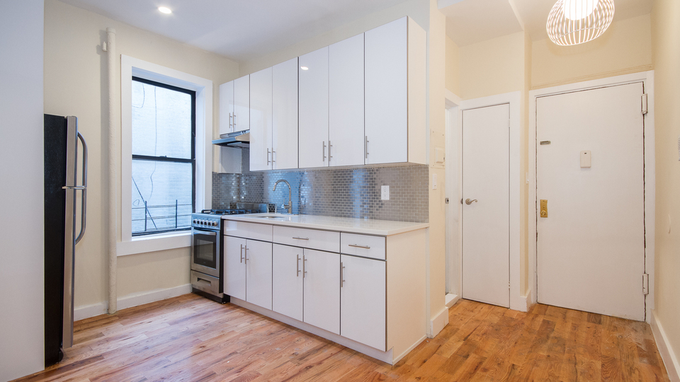 A $2,414.00, 3 bed / 1 bathroom apartment in Crown Heights