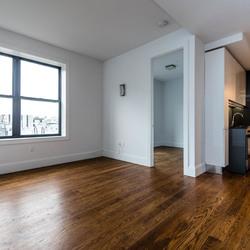 A $2,700.00, 3 bed / 1 bathroom apartment in Bushwick