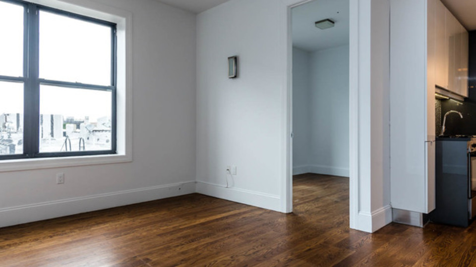 A $2,385.00, 3 bed / 1 bathroom apartment in Ridgewood