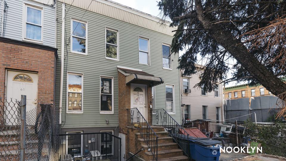 A $1,988.00, 0 bed / 1 bathroom apartment in Bushwick