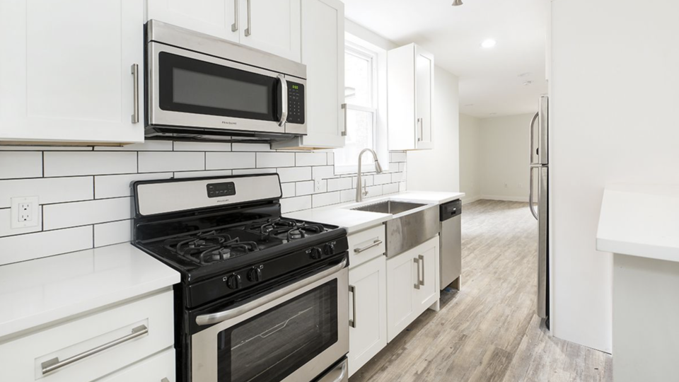 A $2,077.00, 2.5 bed / 1 bathroom apartment in Ridgewood