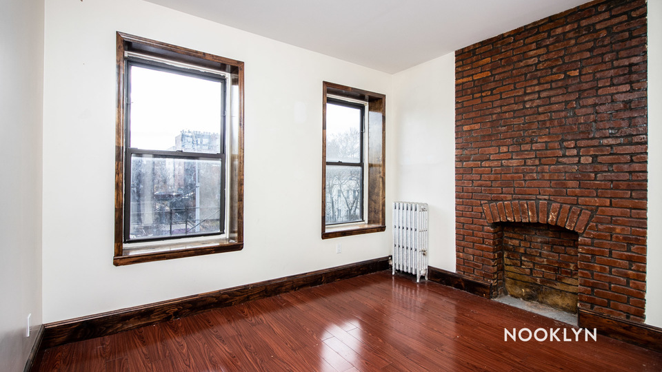 A $2,700.00, 3 bed / 1 bathroom apartment in Crown Heights