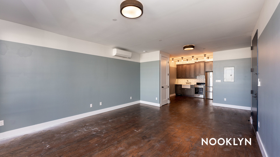 A $3,125.00, 0 bed / 1 bathroom apartment in Williamsburg