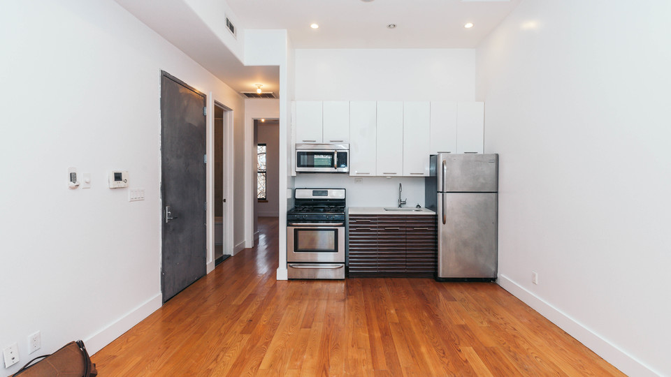 A $2,500.00, 4 bed / 1 bathroom apartment in Bushwick